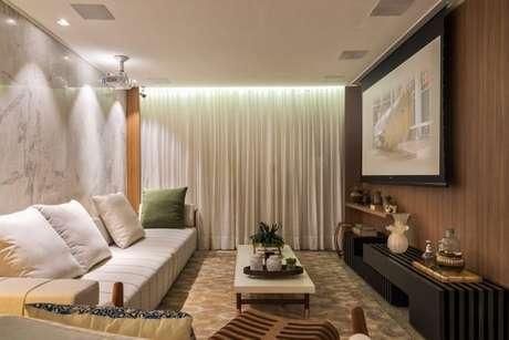 51. Decoração de sala de estar em tons de verde – Por: Morar Mais por Menos