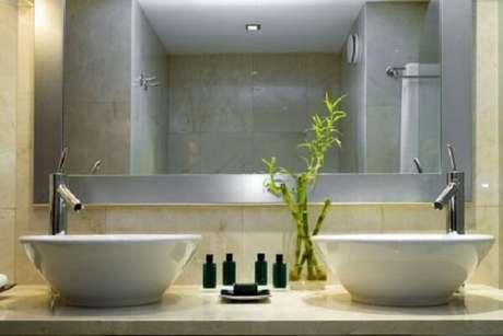 14. Decore o banheiro com bambu da sorte. Fonte: Dicas Decorativas