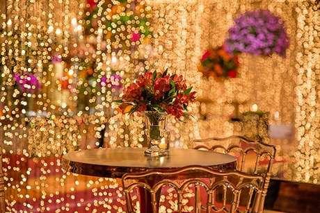 59. Decoração de festa à fantasia super iluminada – Por: Pinterest