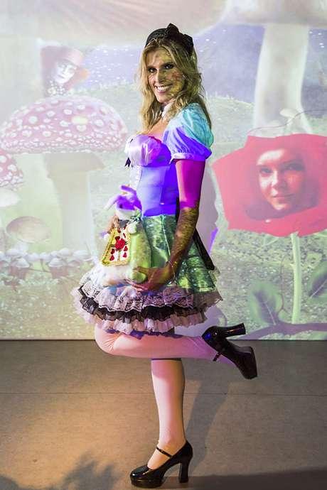 61. Inspiração de fantasia: Alice no país das maravilhas! Por: Anna Quast