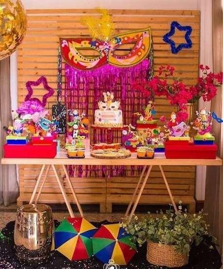 39. A festa à fantasia também pode ter temas como carnaval! – Por: Pinterest