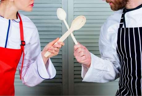 MasterChef Brasil: prova em dupla faz dois rivais cozinharem juntos