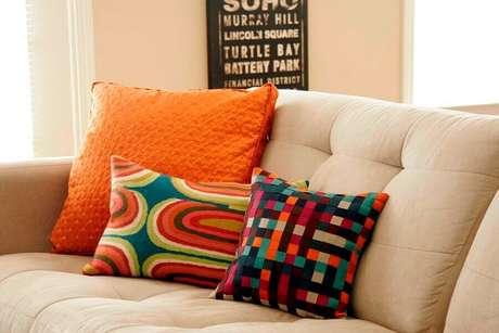 46. Modelo de capas para almofadas coloridas – Foto: 2345home