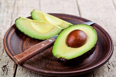 Conheça 10 motivos para comer abacate e descubra todas os seus benefícios
