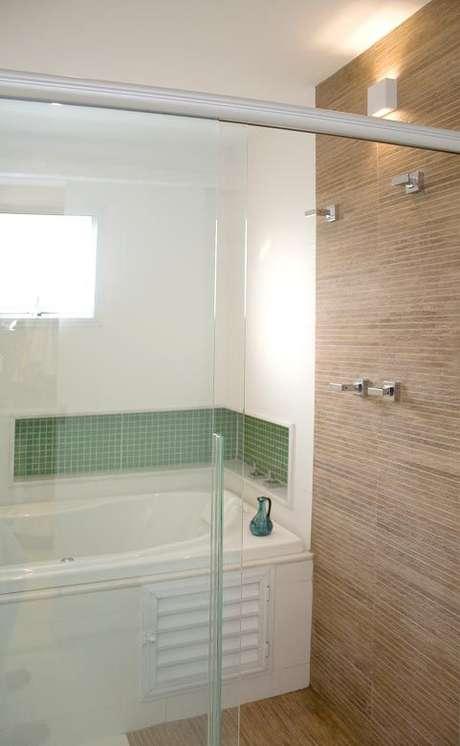 17. Os tons de verde ficam lindos como detalhes no banheiro – Por: Juliana Desa