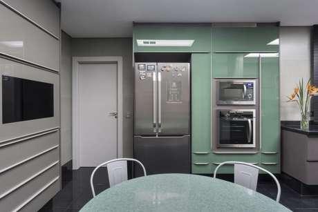 22. Tons de verde na decoração da cozinha gourmet – Por: Maria Luisa Mendes