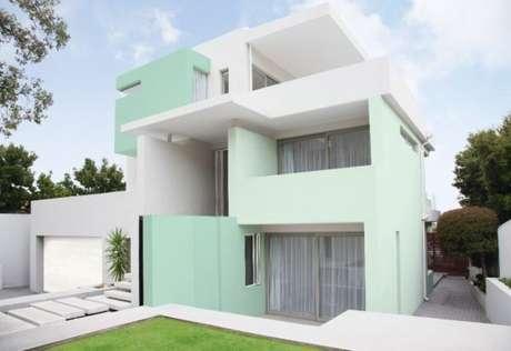 4. Use tons de verde na parede externa de casa – Por: Pinterest