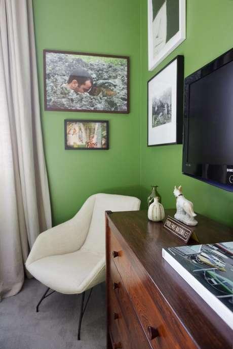 29. Os tons de verde vibrantes são usados apenas em ambientes mais alegres – Por: Mauricio Arruda
