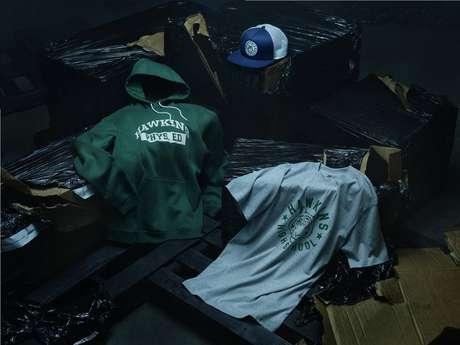 Tênis, moletons e camisetas retrô fazem parte da coleção de 'Stranger Things' da Nike.