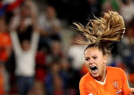 Lieke Martens comemora gol da vitória da Holanda sobre o Japão na Copa do Mundo de futebol feminino 25/06/2019 REUTERS/Lucy Nicholson
