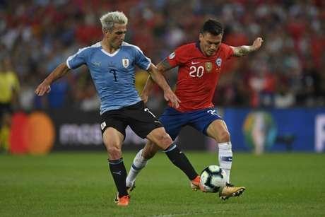 Discreto, Lodeiro atuou apenas na primeira etapa - saiu no intervalo (Foto: Mauro Pimentel / AFP)