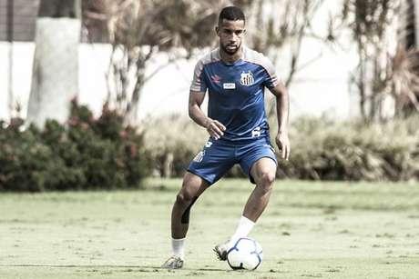 Jorge tem 11 jogos como titular no Santos (Foto: Ivan Storti)