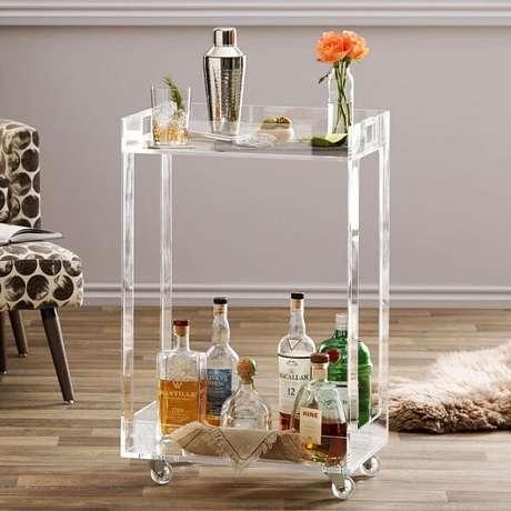 37. Carrinho bar com design de acrílico. Fonte: Pinterest