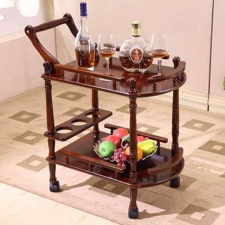 22. Carrinho bar com estrutura simples de madeira. Fonte: Pinterest