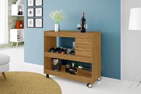 45. Carrinho bar e aparador feito de madeira. Fonte: Mercado Livre
