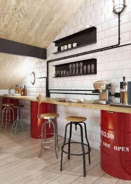 8. Mude a decoração de sua cozinha investindo em um tonel decorado – Foto: JL Artesanato
