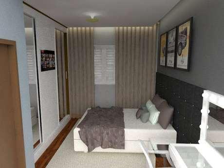 57. Uma cama rebaixada é uma técnica de aproveitamento de espaço muito comum em um quarto de casal moderno. Projeto por: Teresa Silva