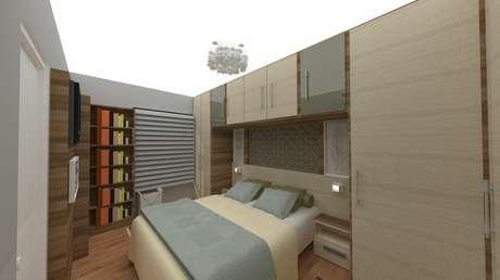 53. Guarda-roupas modulados também são exemplos da funcionalidade que pode haver em um quarto de casal moderno. Projeto por: Alice Lopes