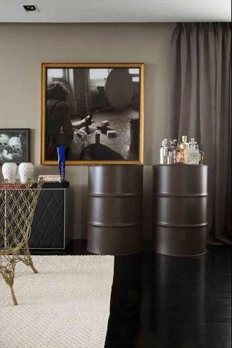 41. Sala de jantar decorada com tonel tambor decorativo – Foto: Wood Save