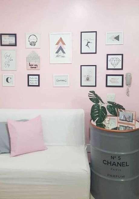 44. Tonel para decoração de ambiente simples – Foto: Pinterest
