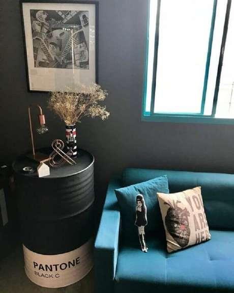 50. Tonel decorativo branco e preto – Foto: Pinterest