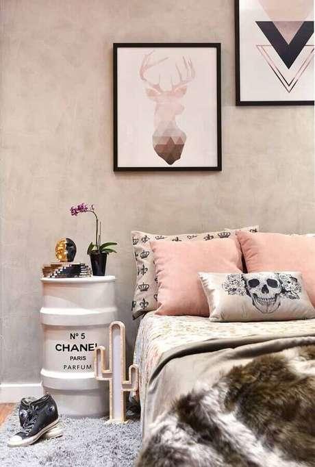 56. Tonel para decoração de quarto feminino – Foto: Casa Perferies