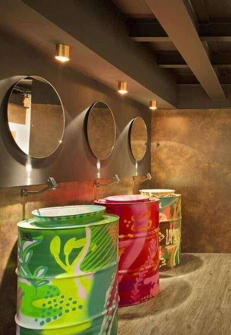 6. Renove a decoração do seu banheiro usando o tonel tambor decorativo – Foto: My Easy Decor
