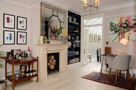 35. Utilize carrinho bar na decoração da sua casa. Fonte: Limão na Água