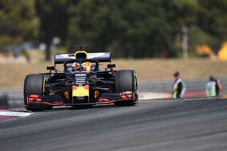 """""""Red Bull Ring é um desafio por causa dos muitos tipos de curvas"""", afirma Verstappen"""