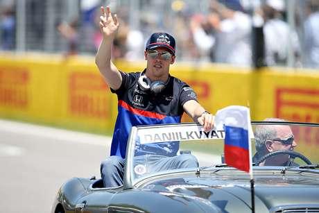 """""""Se ele conseguir resultados, por que não trazê-lo de volta para a Red Bull?"""", diz Tost sobre Kvyat"""