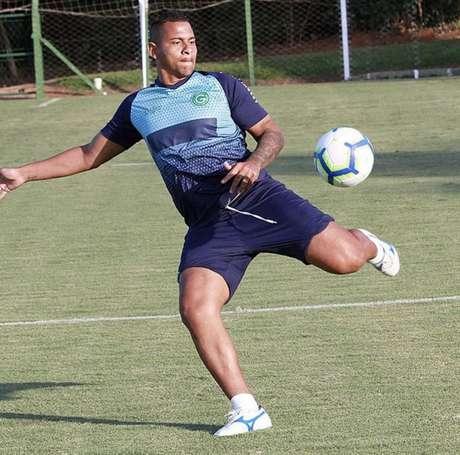 Atacante ainda está suspenso por doping até 7 julho (Foto: Divulgação/Goiás)