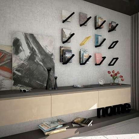 11. A decoração minimalista pede móveis diferenciados, a exemplo dessa prateleira para livros. Fonte: Marcin Rogacki
