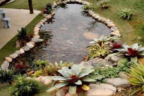 5. As plantas são perfeitas para decorar o lago artificial – Por: Viver Be Magora