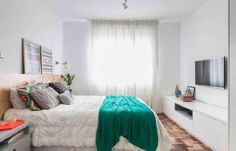 40- As cortinas para quarto clean utilizam como material o voil. Fonte: Pinterest