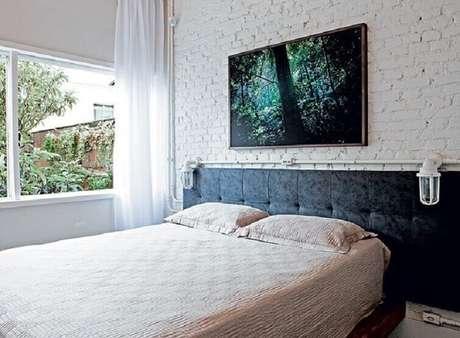 45- As cortinas para quarto com tecido leve criam uma atmosfera romântica. Fonte: Pinterest