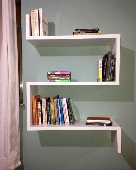 66. Design criativo para essa prateleira para livros. Fonte: Tua Casa