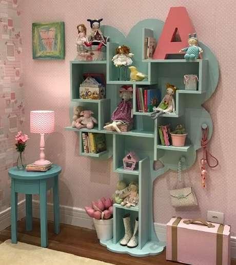 20. Prateleira para livros infantil com formato de árvore. Fonte: Infantário Loja
