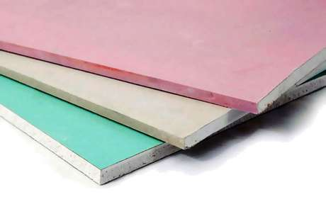 1. Placas de gesso acartonado costumam ser divididas por cores e aplicação. Foto: Engenheiro no Canteiro