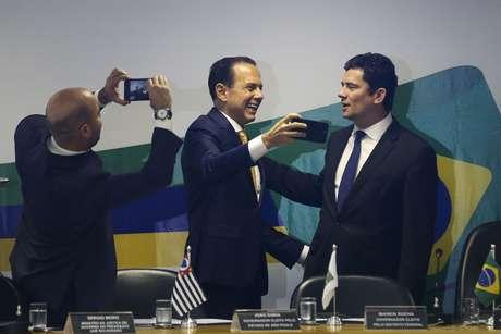 O governador de São Paulo, João Dória e o ministro da Justiça, Sérgio Moro, durante abertura do 2º Fórum de Governadores.