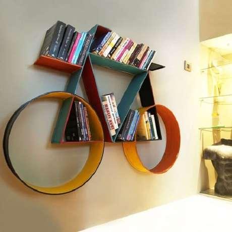 28. Prateleira para livros com design criativo em formato de bicicleta. Fonte: Pinterest