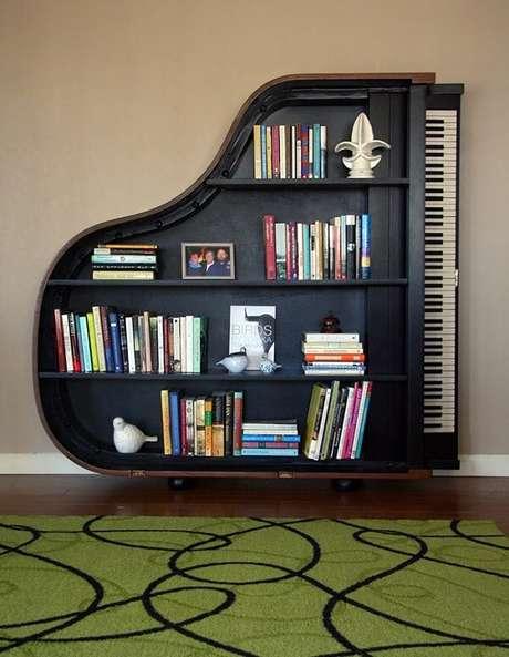 29. Prateleira para livros com design de piano. Fonte: Pinterest