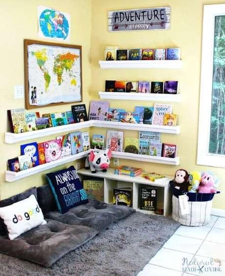 46. Prateleira para livros infantil em formato de l. Fonte: Pinterest