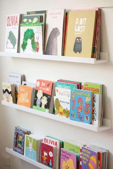 54. Prateleira para livros infantil incentivam as crianças na leitura. Fonte: Pinterest