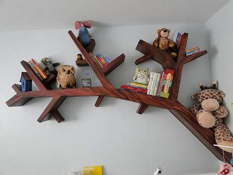 7. Prateleiras para livros infantil com estrutura de árvore. Fonte: Etsy