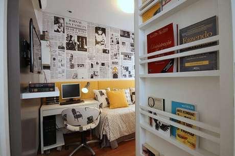 90. Quarto de solteiro com prateleira para livros. Fonte: Pinterest