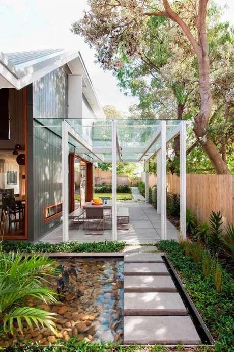 47. Use o lago artificial para decorar a entrada da sua casa – Por: Pinterest