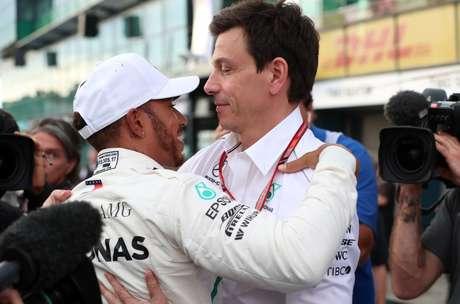 Wolff afirmou que os críticos de Hamilton devem perceber que ele talvez seja o melhor piloto de todos os tempos