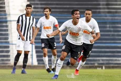 Jorge Colman comemora o gol que deu a vitória ao Corinthians contra o Santos (Rodrigo Gazzanel/Agência Corinthians)