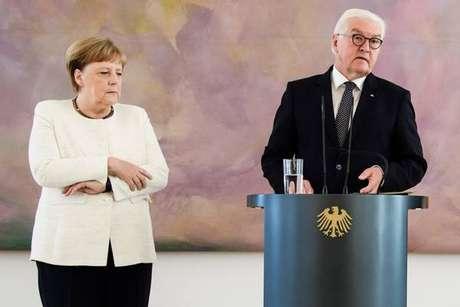 Merkel sofre tremores em público pela 2ª vez