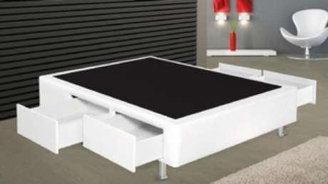 5. A cama com gavetas na versão box é muito mais simples e sutil. Foto: Golden Colchões